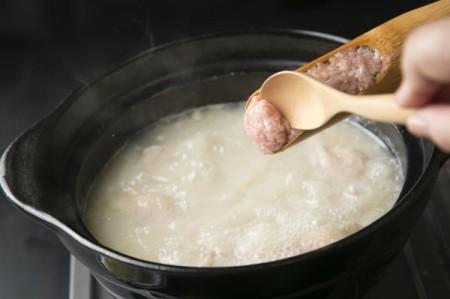 【コラーゲンたっぷりの濃厚鶏白湯スープ】鳥藤の水炊きセッ特製ポン酢付き【ギフト包装可】